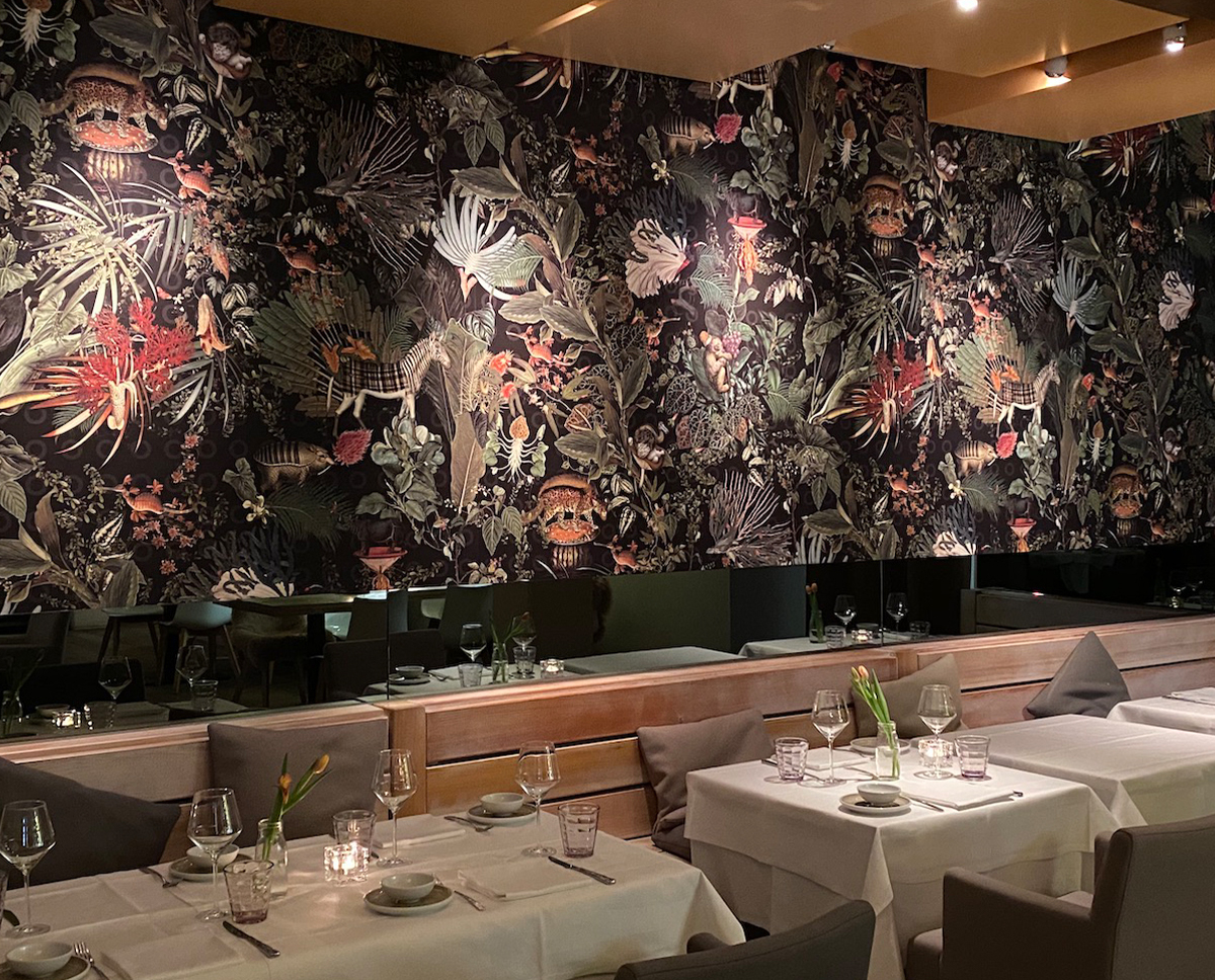 Restaurant Hamburg Hafencity - Edele Textilwandbekleidung | Raumwerk - Adrian Wojciechowski